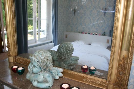 chambre bleue lit