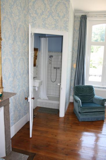 chambre bleue douche